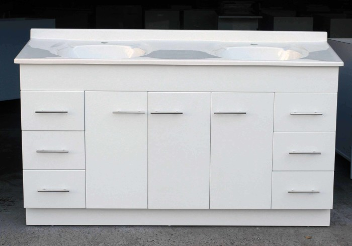 Daedalus wp1525mm high gloss bathroom vanity unit with for Bathroom cabinets 700 x 500
