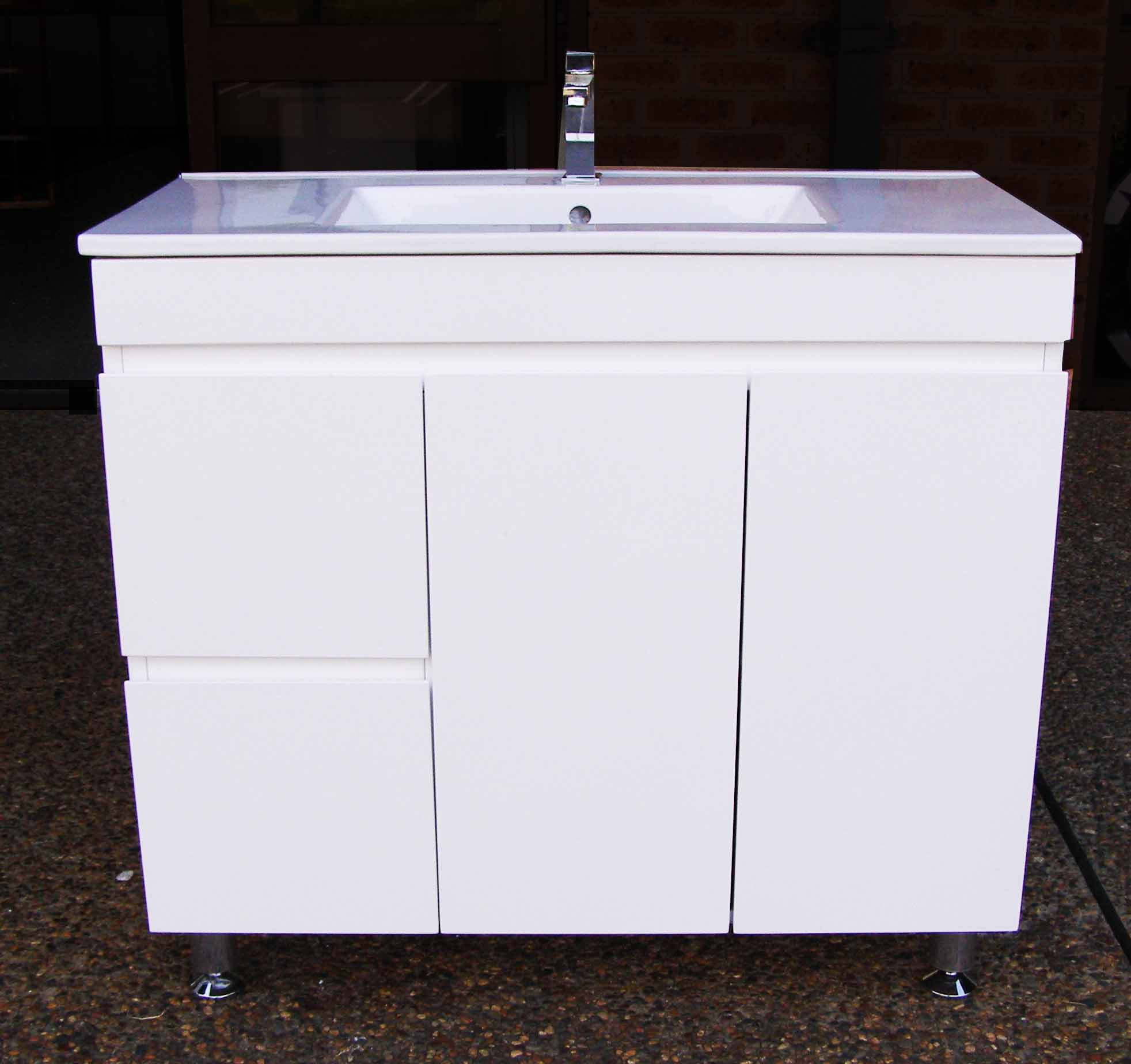 900mm Vanity Unit With Ceramic Basin Finger Pull And On
